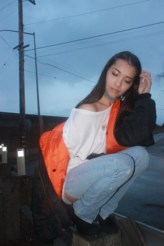 orange-streetstyle-bomber-jacket-blackboots