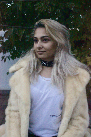 fur-coat-streetwear-black-and-white-choker