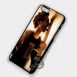 Delicious Guitar Luke Hemmings - iPhone 8+ 7 6s SE Cases & Covers