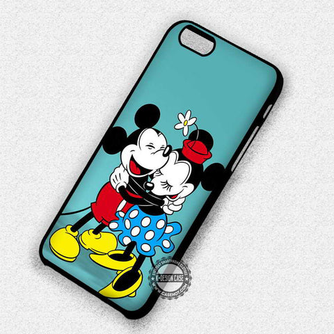 Mickey & Minnie Hugging Vintage - iPhone 7 6 Plus 5c 5s SE Cases & Covers