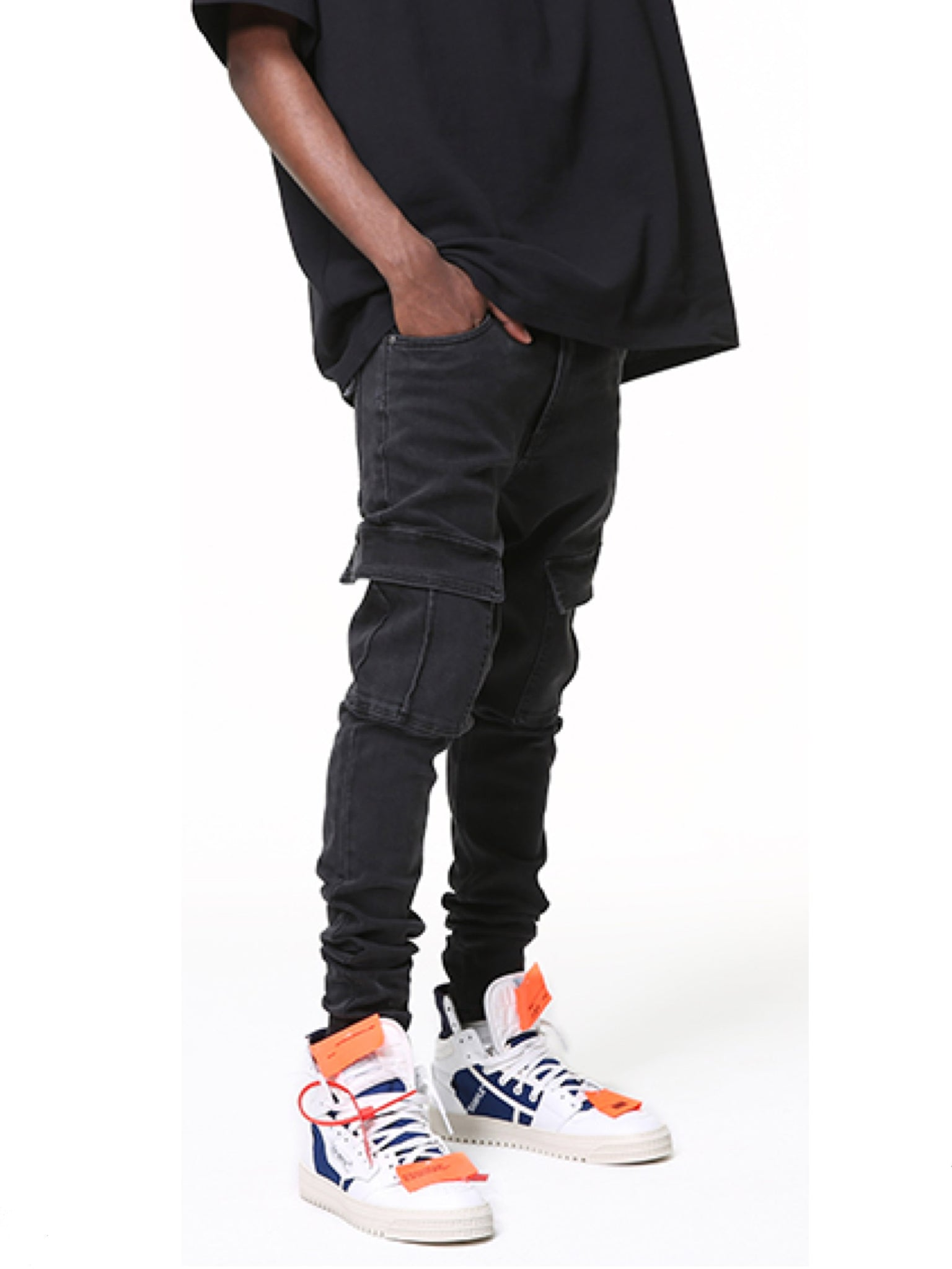 SLIM FIT BLACK CARGO DENIM PANTS