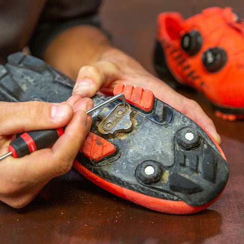 Feedback Sports Pick Set Removing Stones from MTB Shoe Cleat