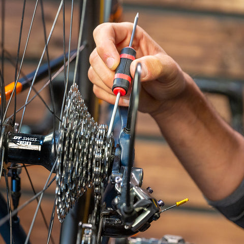 Feedback Sports Pick Tool removing debris from cassette