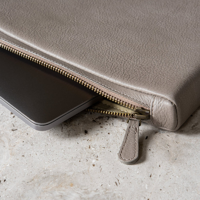 "The PC Cover: Surplus leather - Grey - One size (13"")"