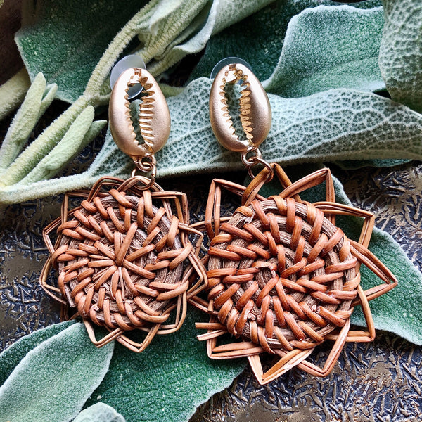Statement Straw Weave Earrings - Gold Shell With Star Weave