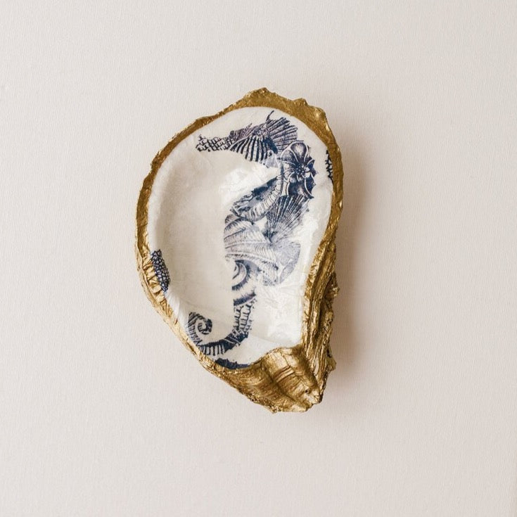 GRIT & GRACE Decoupage Oyster Jewellery Dish (Seahorse)