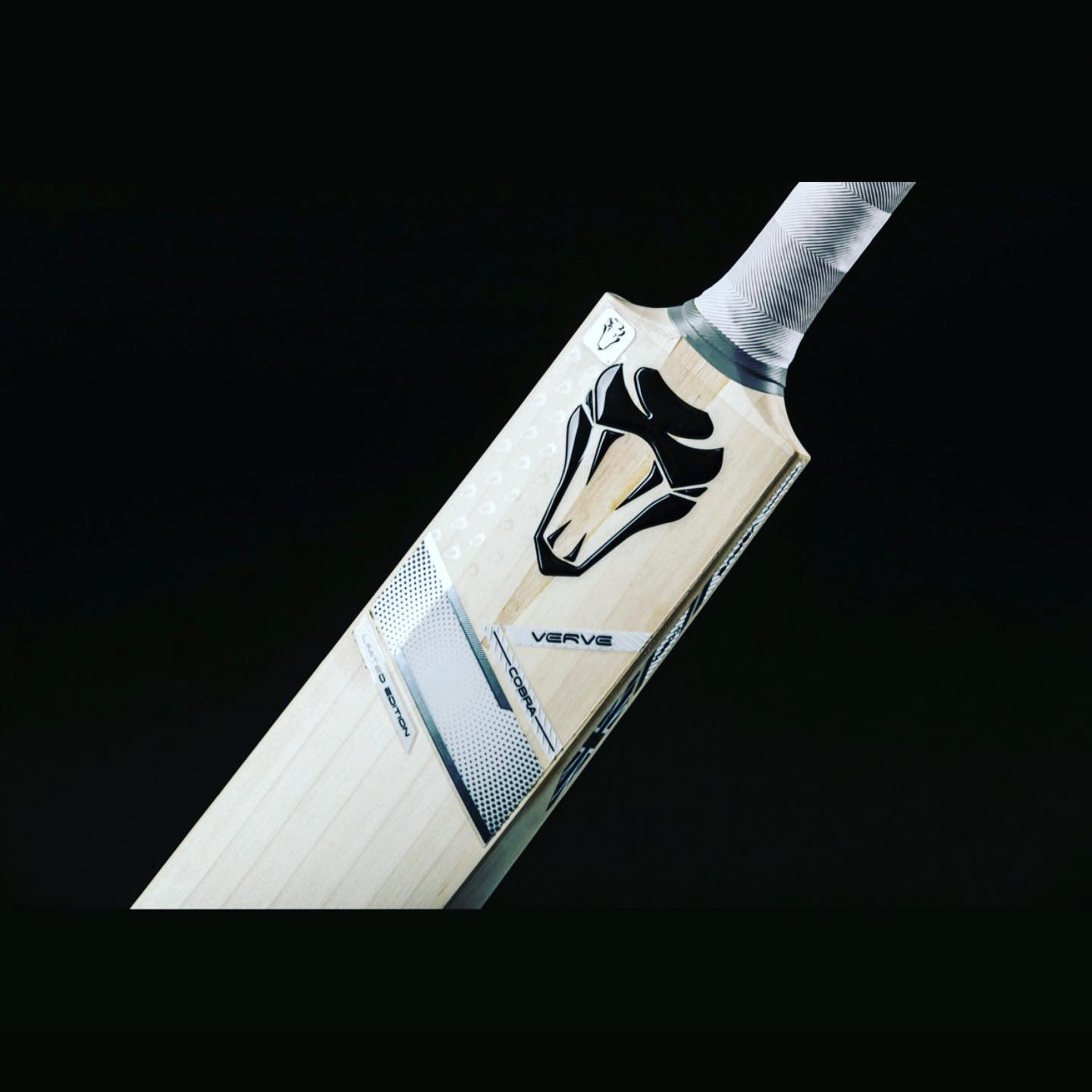 CUSTOM MADE CRICKET BAT FOR WILLIAM ALEXANDER
