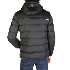 Geographical Norway - Beachwood_man