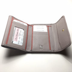 Taupe Leather Wallet with 2 Pockets | Portefeuille en Cuir Taupe avec 2 Poches - Boutique C.H.I.L. ( boutiquechil.com )
