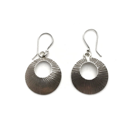 Silver Stamped Round Earrings|Boucles D'oreilles Argent Pendantes Ronde