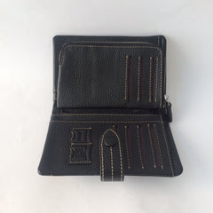 Black Leather Wallet | Portefeuille en Cuir Noir - Boutique C.H.I.L. ( boutiquechil.com )