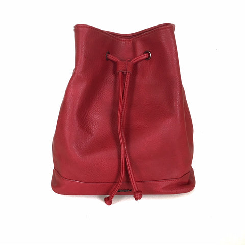 Red Faux Leather Purse/Backpack | Sac à Dos/Sac à Main Rouge en Faux Cuir
