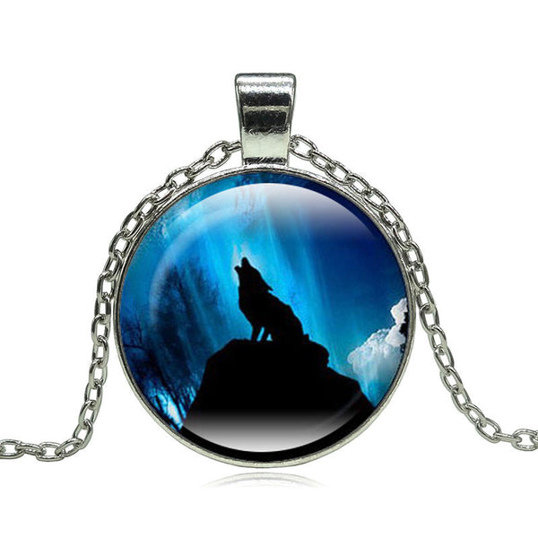 Necklace - Wolf Moon Pendant Necklace !