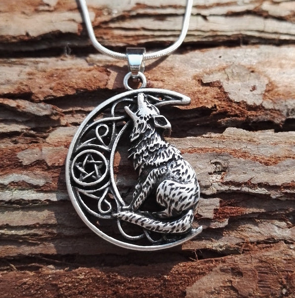 Howling Wolf Necklace - Indo Wolf