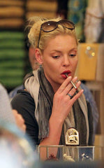Katherine Heigl with e-cigarette