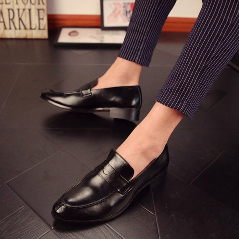 2017 Glossy Dress Shoes Black Flat Wedding Shoes Patent Leather Loafers Mens Shoes Luxury Brand Famous Oxfords Shoes For Men