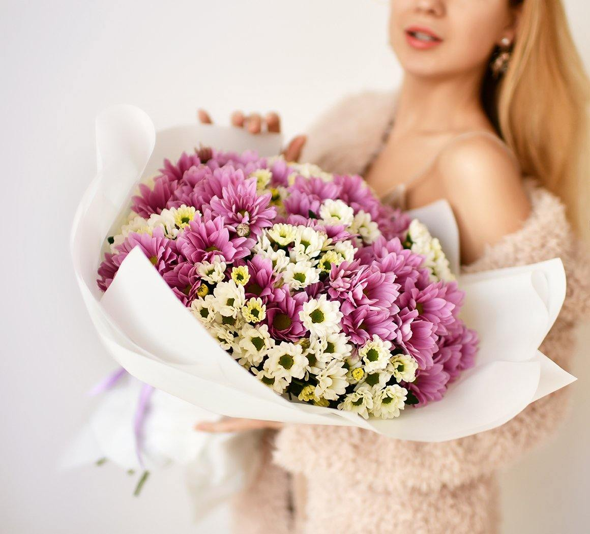 Mrs. Dalloway Club - Your Flowers Subscription Program