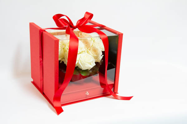 Red Surprise Box with Drawer - White Roses
