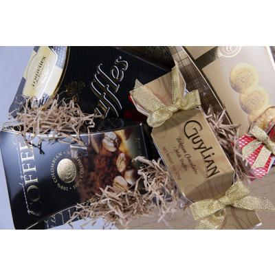 A Golden Treat Holiday Gift Basket - flowersbypouparina.com