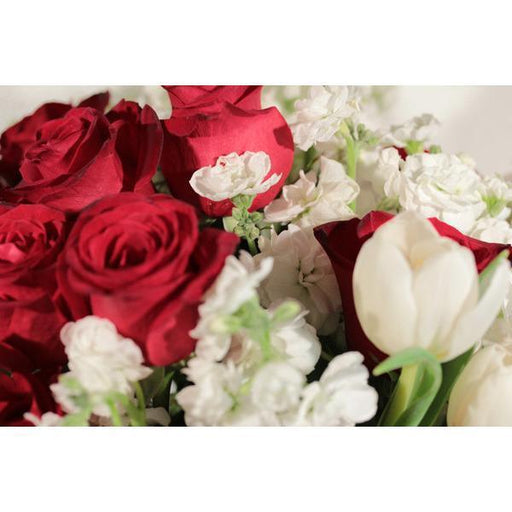 Crimson love bouquet - flowersbypouparina.com