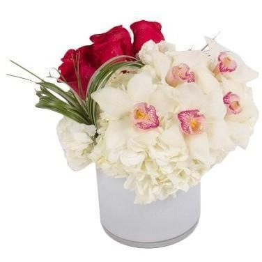 Love plain and Simple - flowersbypouparina.com