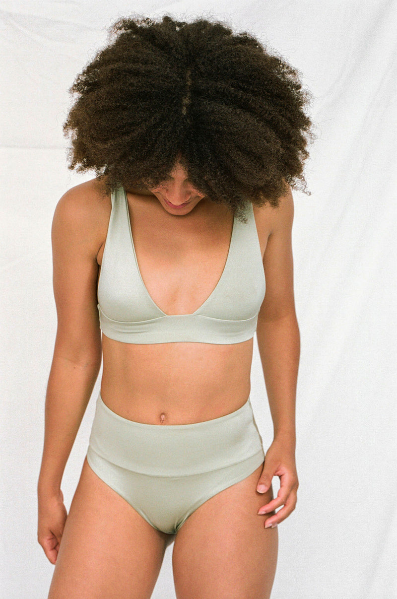 HIGH-WAISTED Bottoms in Metallic Moss