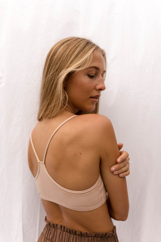 SARA Feather Weight Bodysuit Cream