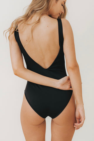 LEA V-Plunge One Piece Black