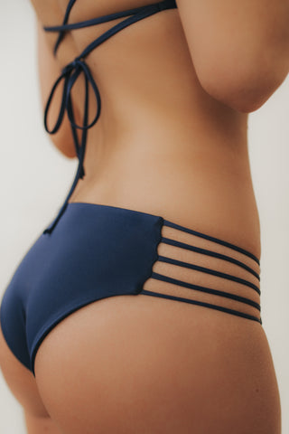 MULTI-STRAP Bottoms Navy