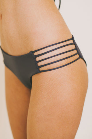 CUT-OUT Bottoms Graphite