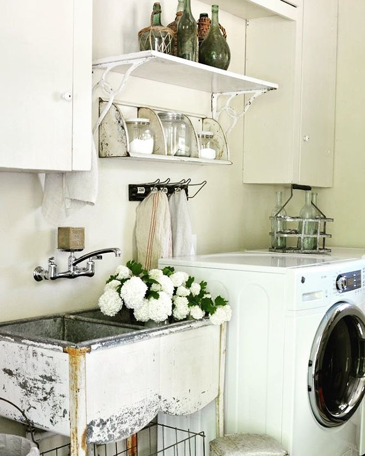 Shabby Chic Farmhouse Style Laundry Room