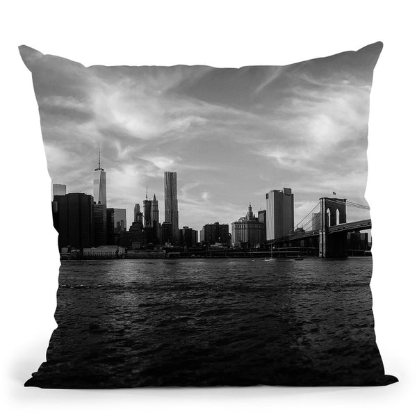 New York Skyline - Black And White Throw Pillow By Niklas Gustafson