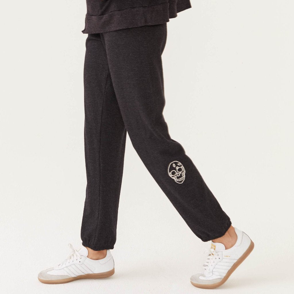 EMBROIDERED SKULL SWEATS