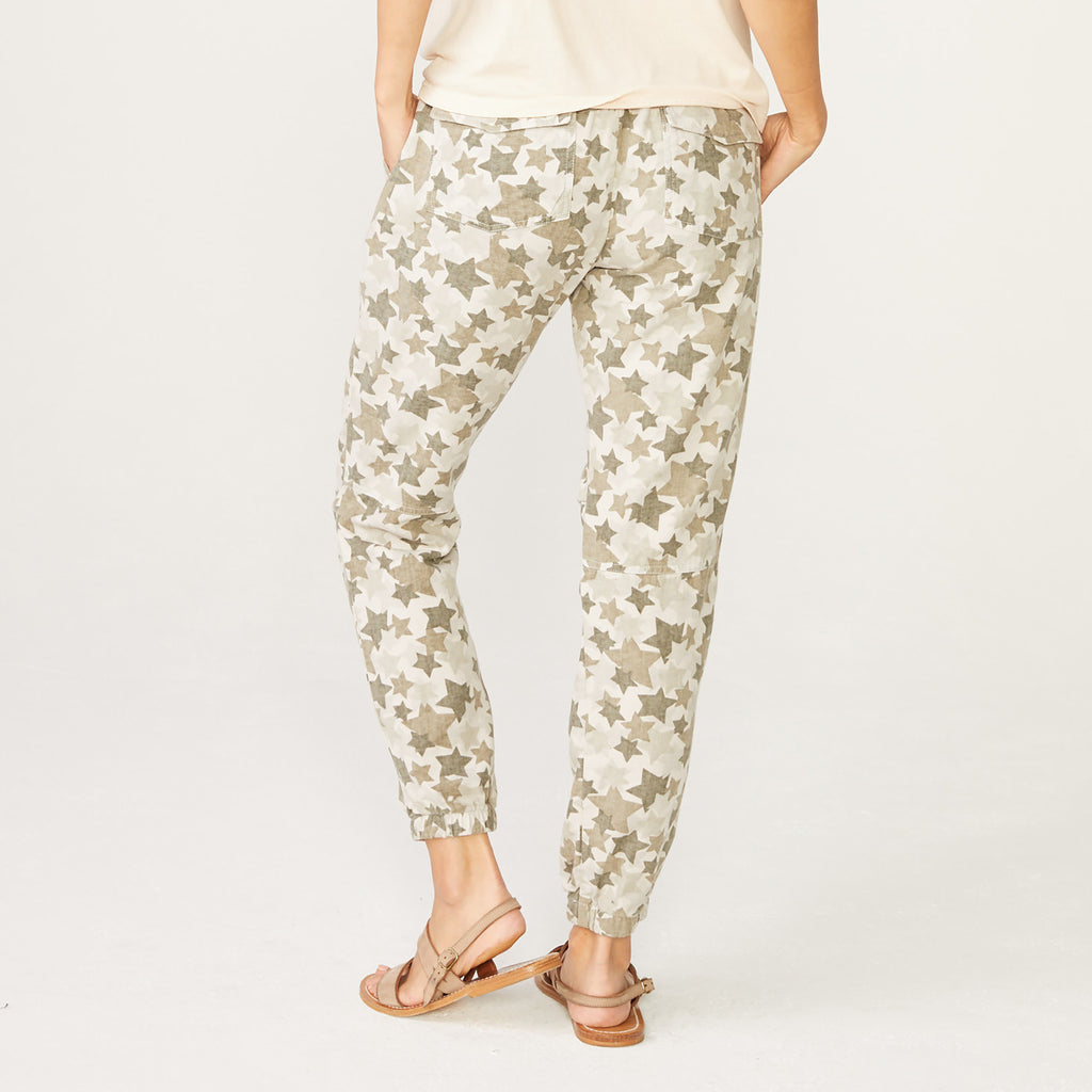 Patch Pockets Star Camo Jogger