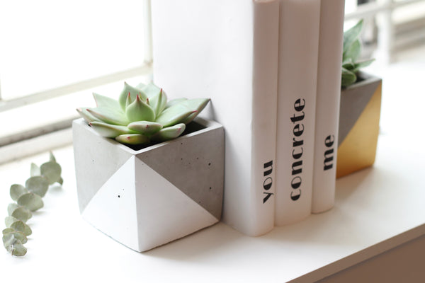 Cube Bookends