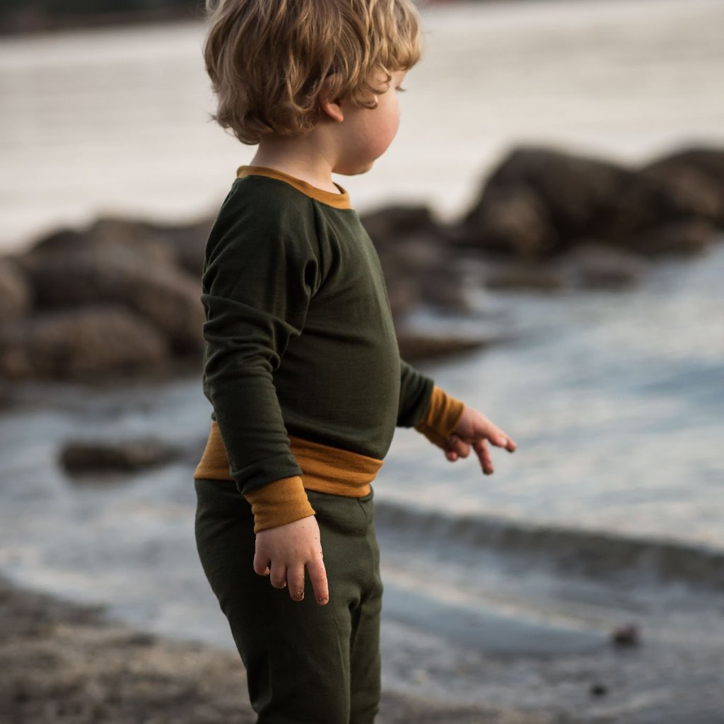 Kids merino base layer sets in dark olive green