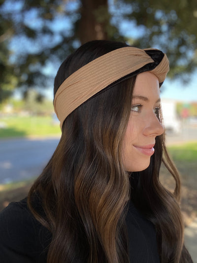 CLUTCH NON-SLIP KNOTTED HEADBAND (TAN)