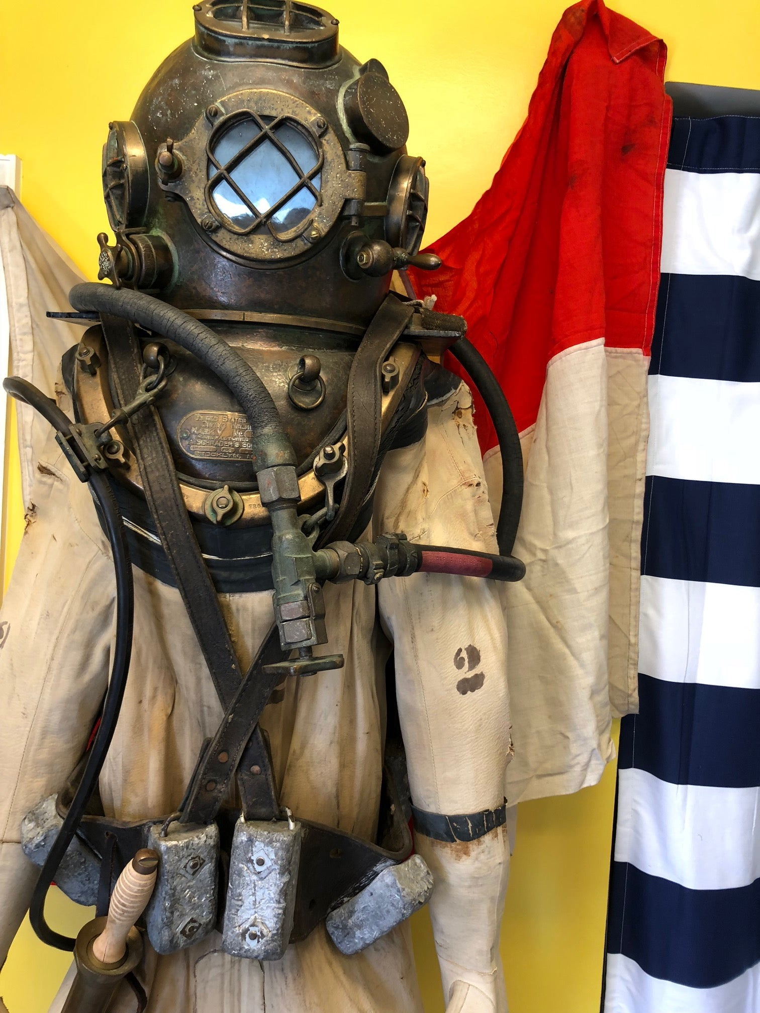 Diver Suit, Helmet, Belt, Knife, Boots, and Chestplate