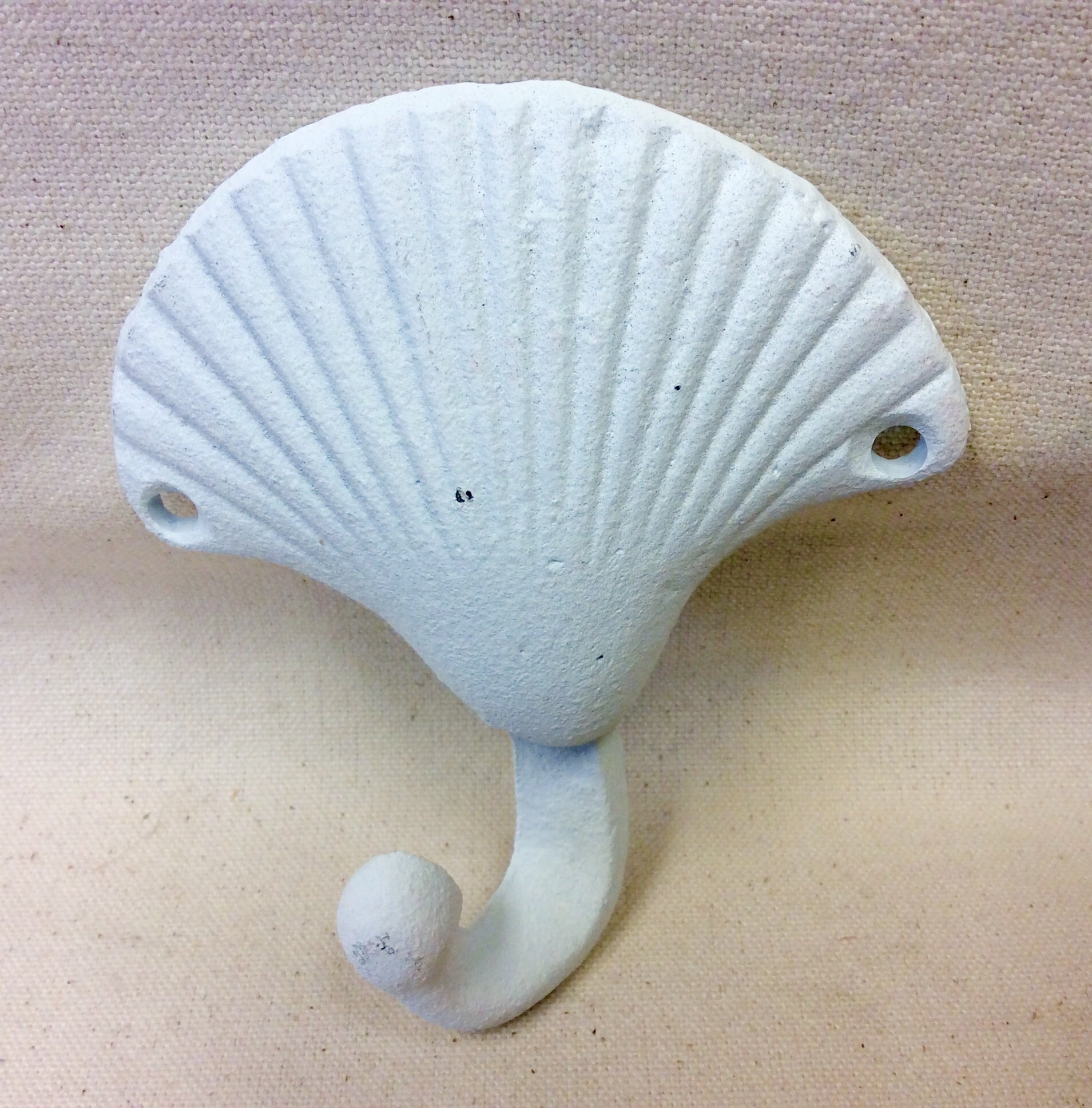 Hook, Clam Shell