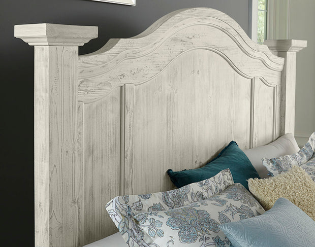 Rustic Hills Poster Bed - Weathered White,Vaughan-Bassett,Beds and Headboards,schleider-furniture-company