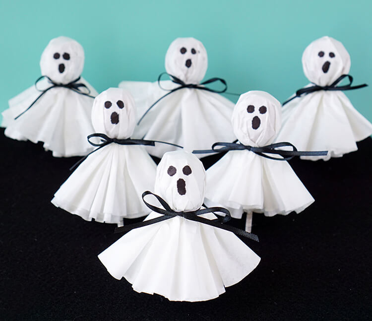 Check out these awesome (and easy!) Halloween crafts!