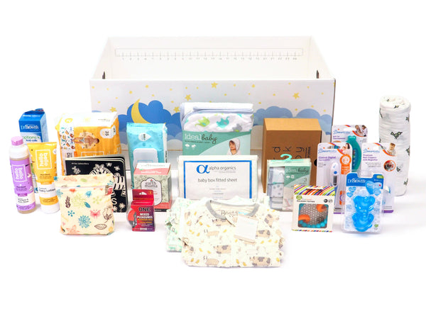 An amazing gift for an expecting or pregnant mom and dad. This baby box includes many baby checklist items like swaddle, baby clothing (Bestaroo, Colored Organics, MagneticMe), chewbeads, baby towel and washcloth set and much more!