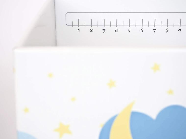 Cute ruler on the inside of a Finnbin baby box