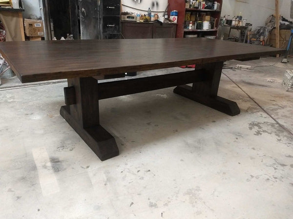 construction of a dining table
