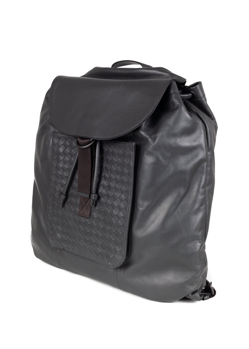 Bottega Veneta Mens Grey Intrecciato Calf Backpack - ACCESSX