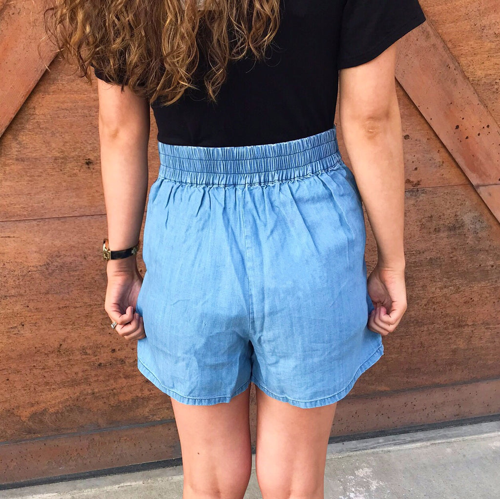Katherine Embroidered Elastic Shorts with Pockets +