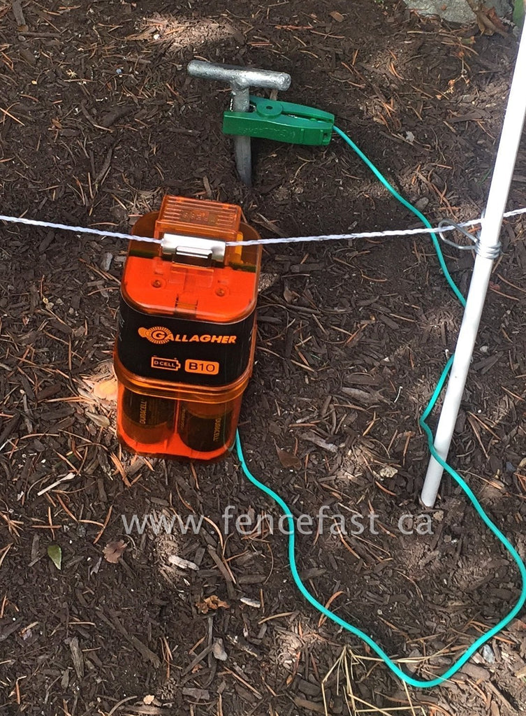 B10 Gallagher Battery Fence Energizer Garden  Hooked Up To Ground Rod