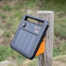 Gallagher S40 Portable Solar Fence Energizer Mounted
