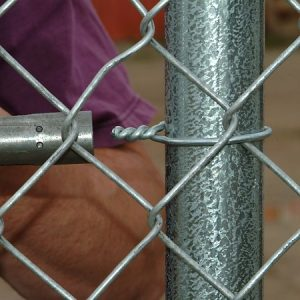 Easy Twist™ 9-gauge Vinyl Coated Fence Ties