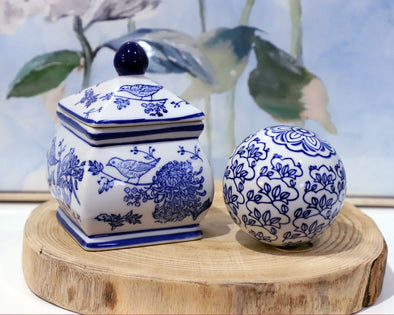 Set of 2 Blue and White Hamptons Style Ceramic Decor